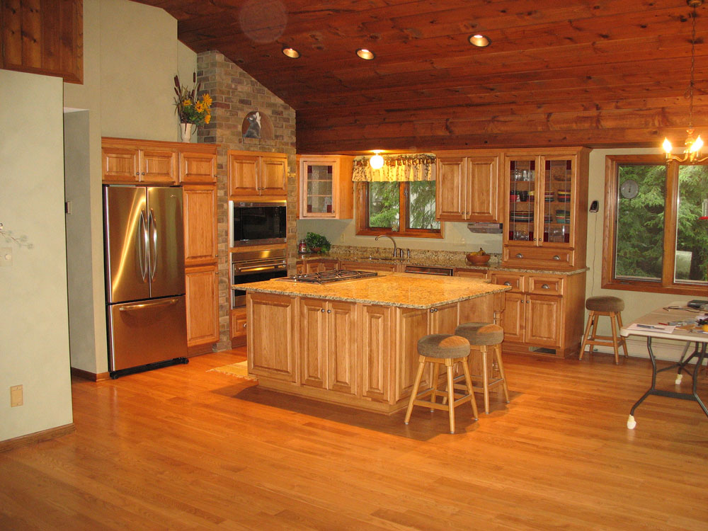 Look! Custom Kitchen cabinetry in Langlade County